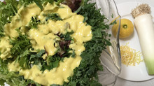 Green salad with Mango & Leek dressing