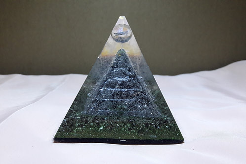 Orgonite Pirâmide - Turmalina Negra