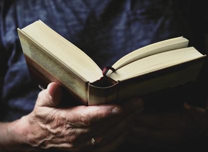 Entre Tolkien, política e religião - Por que as pessoas apenas não leem um livro?