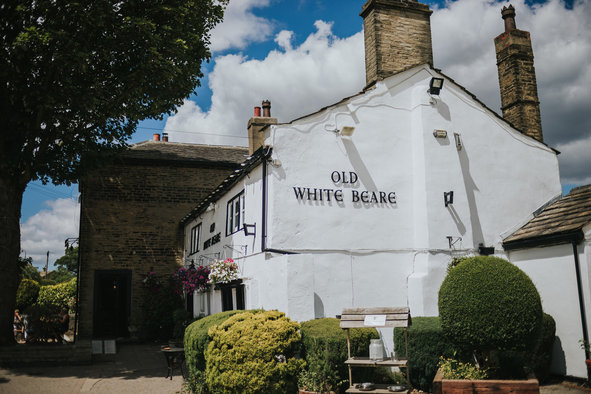 The Old White Beare pub in Norwood Green, Halifax