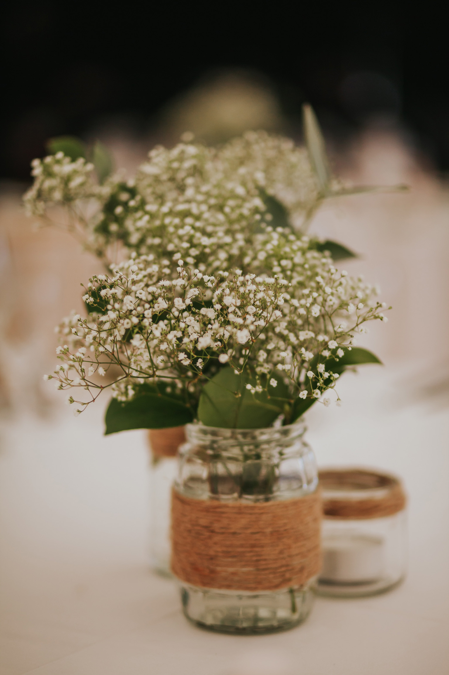 babys breath table decor