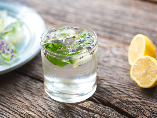 3 Fancy  Summer  Waters  to  Infuse  Your  Body  With  Nutrients