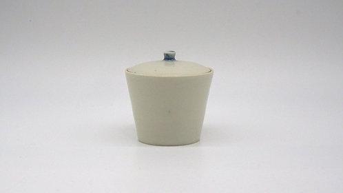 Tea leaf container 青花小茶倉