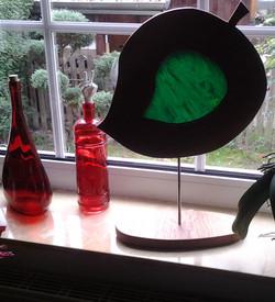Holzblatt mit Glas