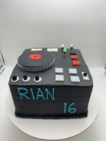 DJ Childrens Cake