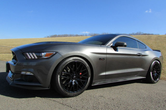 used-2016-ford-mustang-gtperformancepackage-5855-17316580-2-640