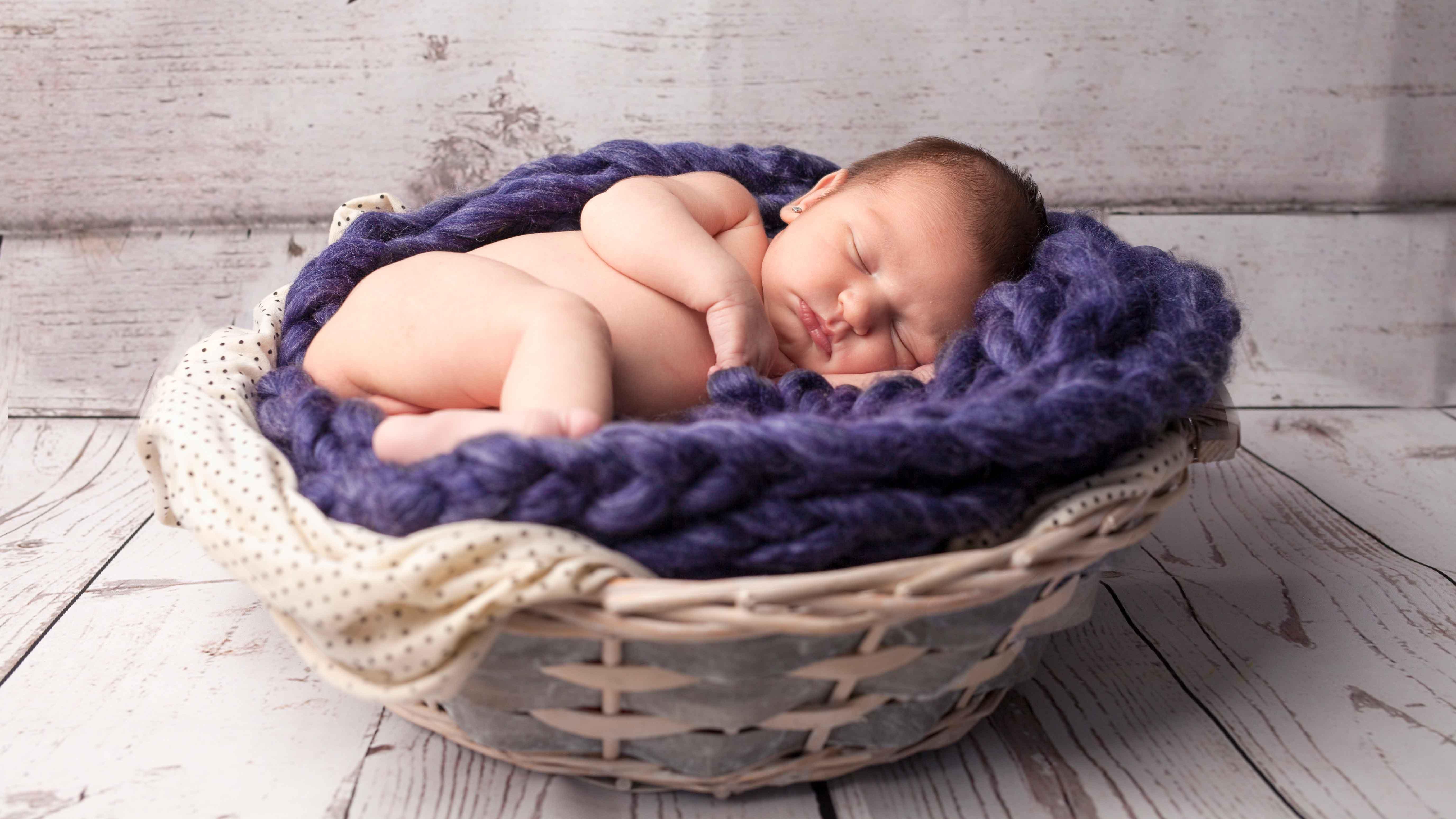 newborn-reportatge-estudi-cistella