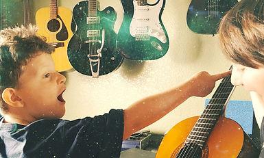meet the guitar