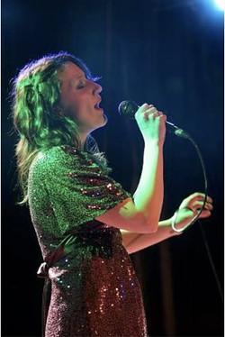 Jennifer Gail Sings