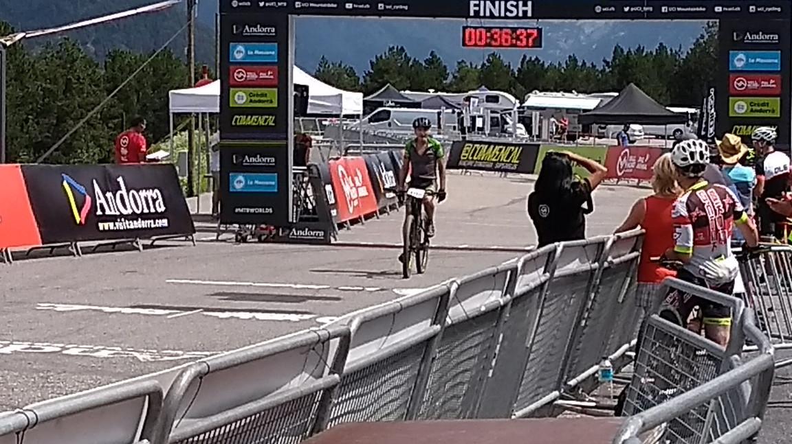 UCI Masters Gary Finish