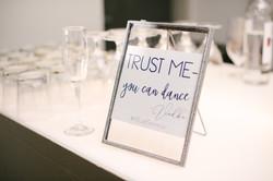 trust me bar sign