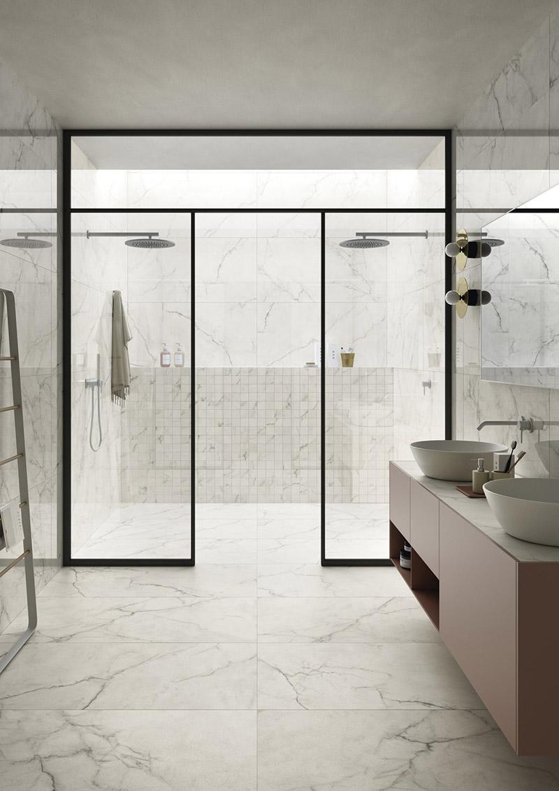 royal_white_bathroom