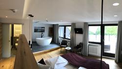 Premium Suite #15
