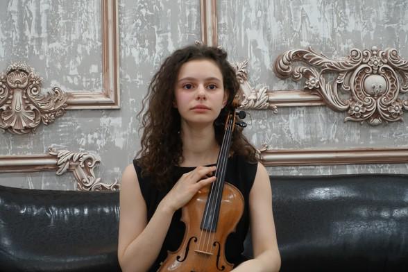 Мира Червинская (скрипка)