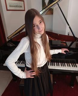 Ariadni Masmanidou (piano)