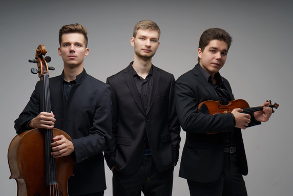 Тимофей Лещинский (скрипка), Никита Баранов (виолончель), Павел Замула