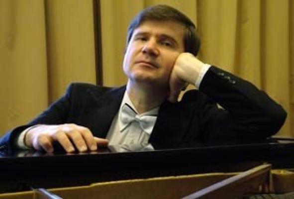 Михаил ПЕТУХОВ (фортепиано, заслуженный артист России)