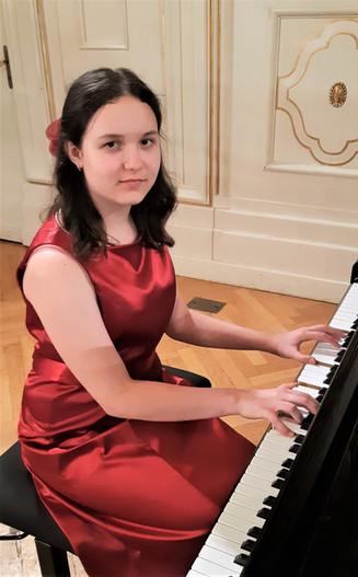 Диана Масленникова (фортепиано)