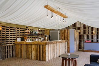 oxfordshire wedding venue dovecote barn dj
