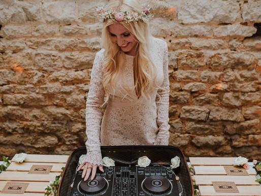 RUSTIC DJ SERVICE/ THE RUSTIC DJ