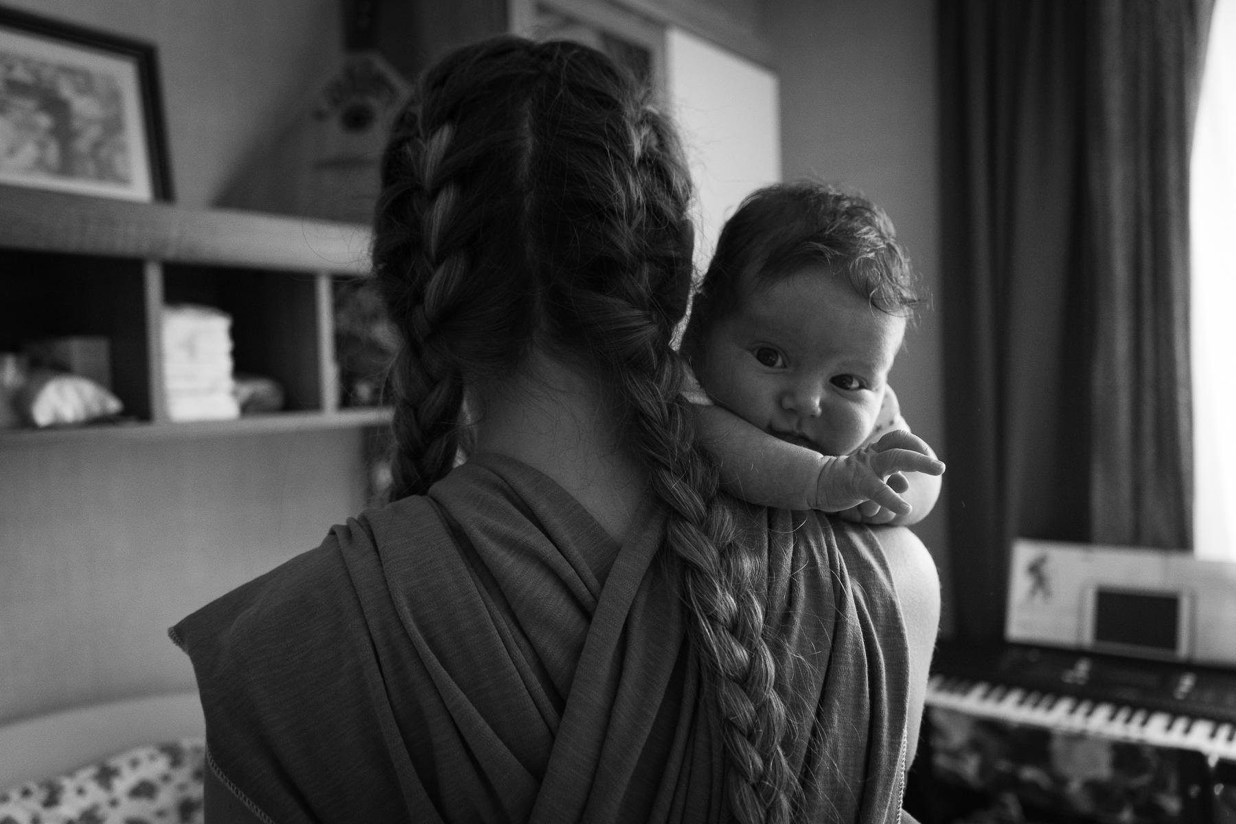 черно-белые фотографии новорожденных