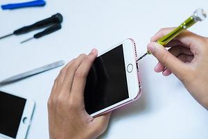 Mobile phone repair.Repair Smart-phone a
