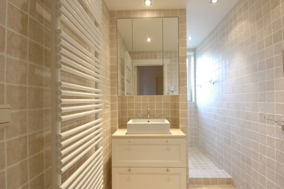 spa-contemporary-bath