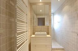 spa-contemporary-bath