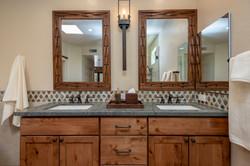 Iron Accent Bathroom -3