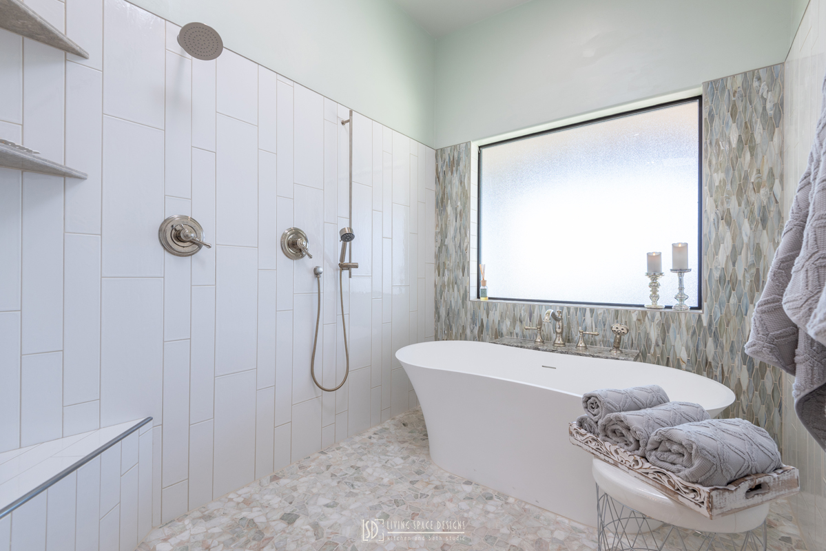 Elegant-Green-Bath-with-Shelving