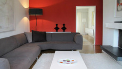 red-gray-familyroom