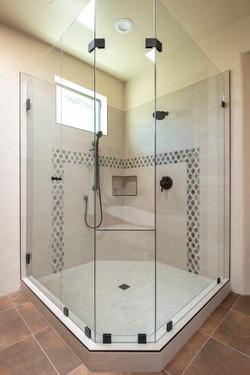 Iron Accent Bathroom -5