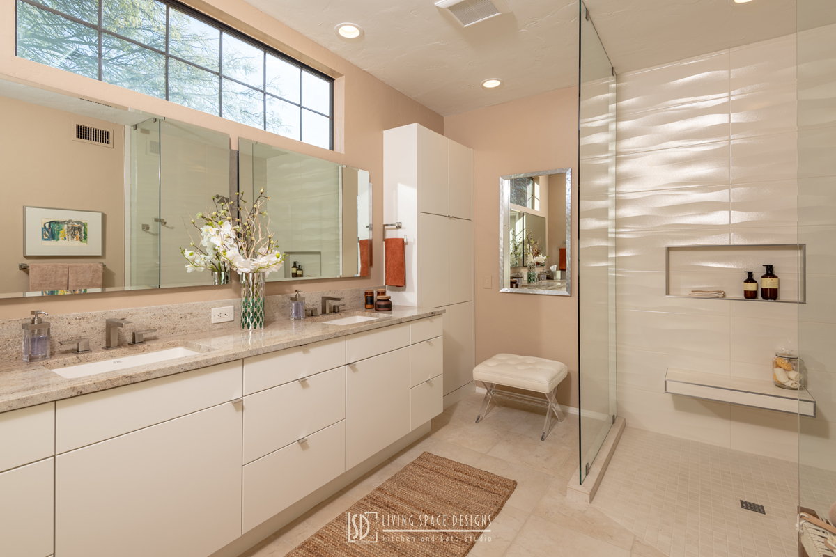 Contemporay-Spa-like-Bathroom-in-Neutral