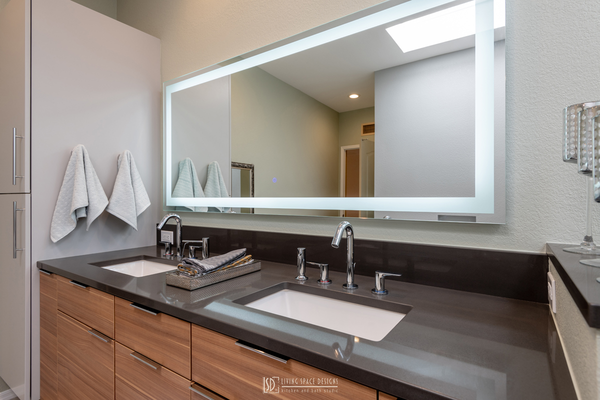 Contemporary-Bathroom-with-Warm-Gray-Cou