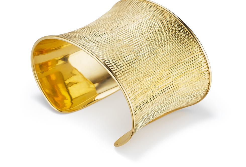 18ct yellow gold cuff