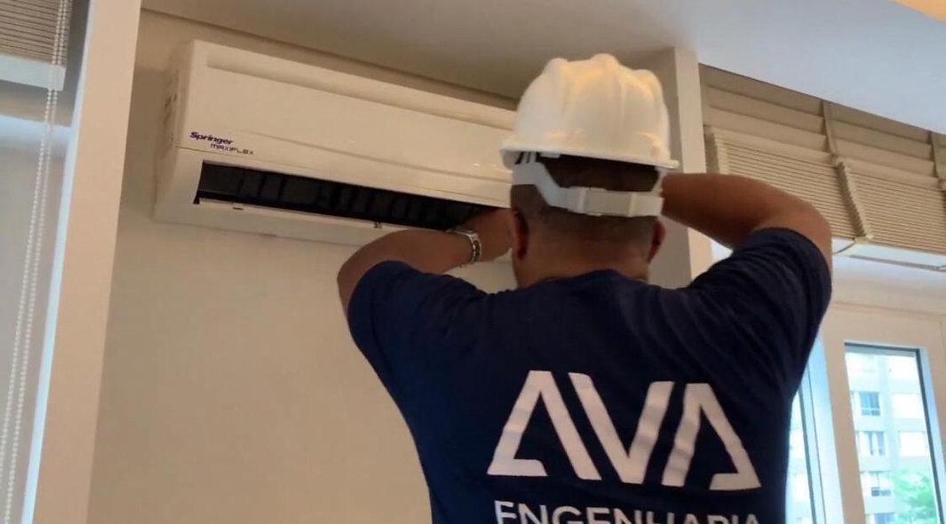 Higienização de Evaporador Hi-Wall (split)