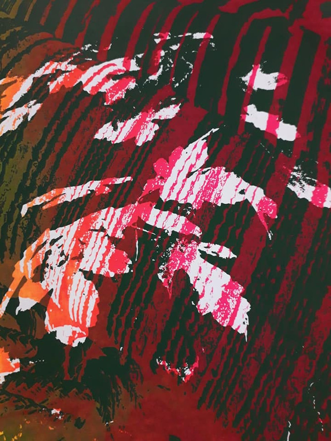 Split Fountain Raspberry Red