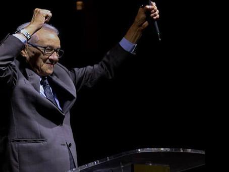 Pr. Orlando Silva celebra 56 anos a serviço do Reino