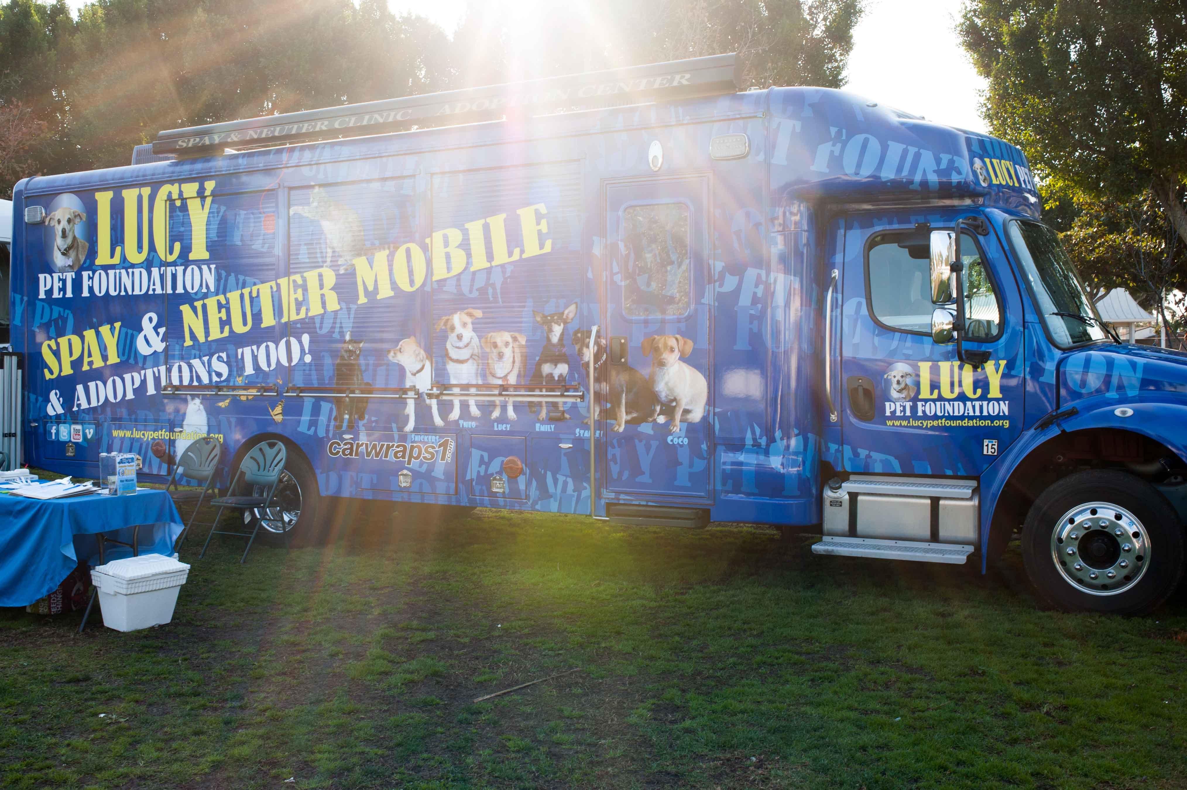 Vol Vendor Trucks 140118 03_.jpg