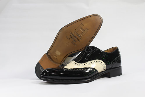 Calf Leather Spectator Brogue Oxford In Black & White - H183