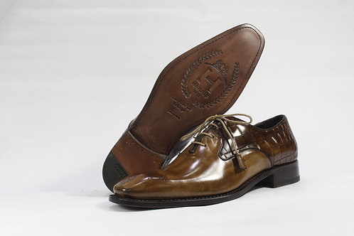 Calf Leather Oxford With Brogued Toe - H347