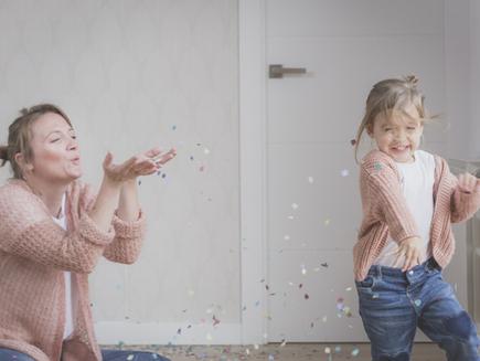 זו ילדותי השנייה: על הקשר בין ההורות שחווינו להורים שאנו