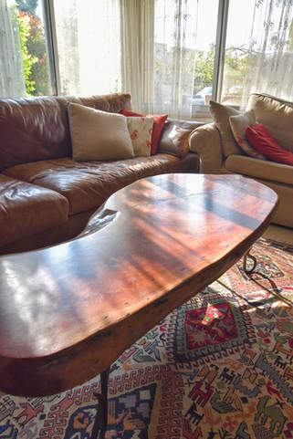 שולחן מעוצב לסלון
