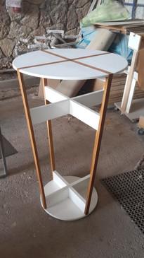 שולחן גבוהה בהתאמה אישית למשרדים