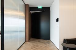 דלת כניסה יוקרתית למשרדים בתל אביב