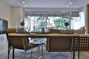 שולחן מודרני מעץ