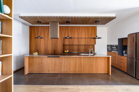 מטבח יוקרה מודרני מעץ