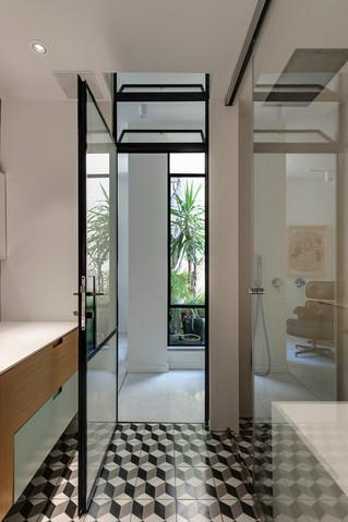 ארון אמבטיה מודרני בהתאמה אישית
