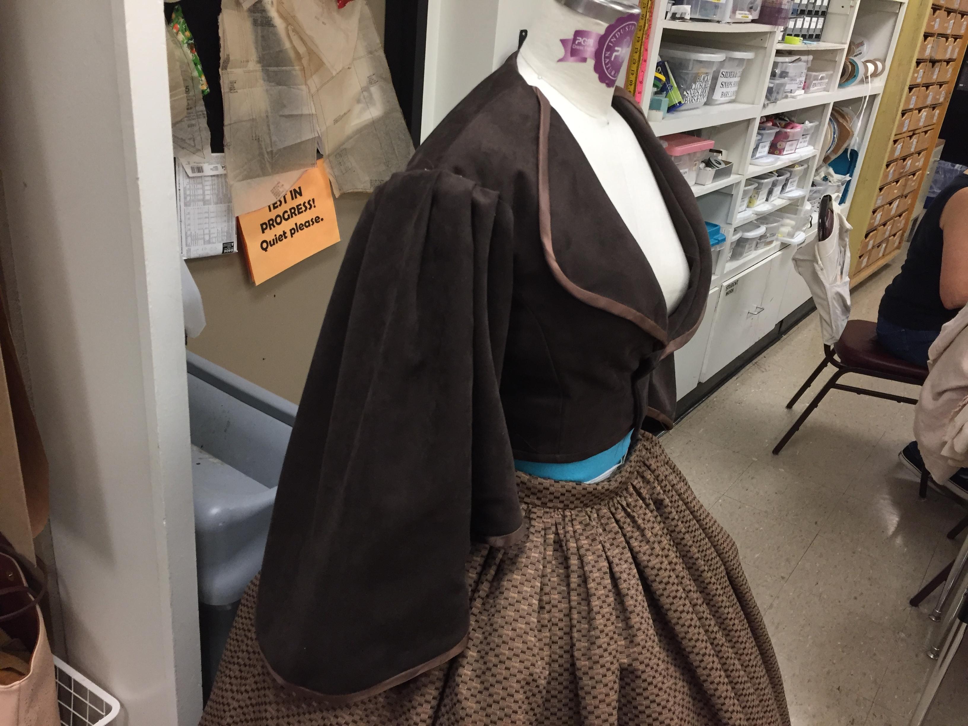 Women's Jacket - Pagoda Sleeves