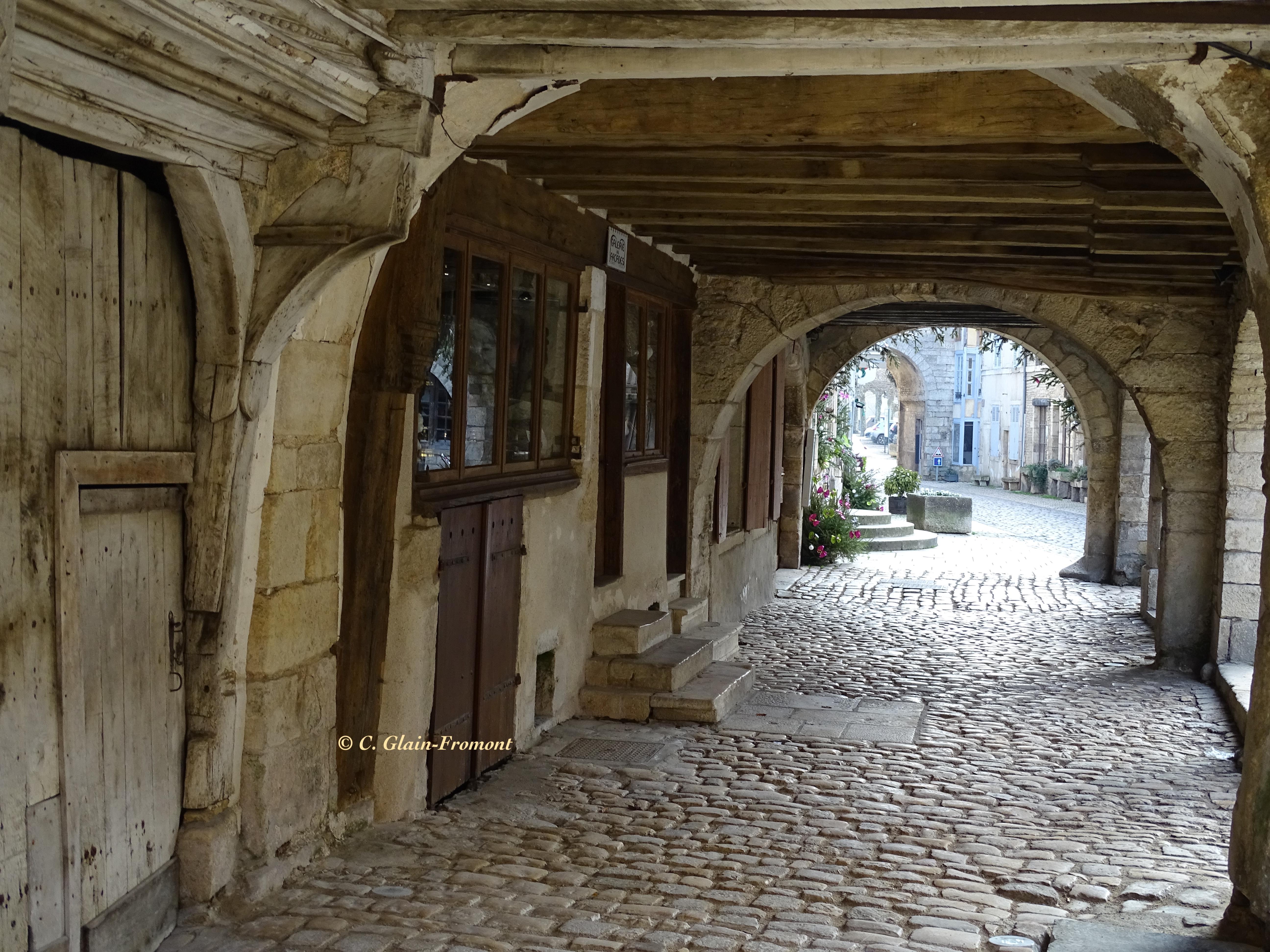 Galerie à arcades Noyers